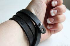 DIY: Super easy leather bracelet