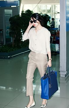 beige,lady,airport,김민희,red lip