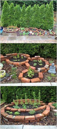 18 Beautiful Round Raised Garden Bed Ideas & Designs For 2019 Brick Garden Bed Landscaping Around Trees, Front Yard Landscaping, Brick Flower Bed, Culture D'herbes, Patio Grande, Raised Bed Garden Design, Pallets Garden, Easy Garden, Herb Garden