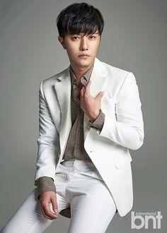 Bnt International Puts the Focus on Descendants of the Sun's Jin Goo Song Hye Kyo, Song Joong Ki, Korean Wave, Korean Men, Asian Actors, Korean Actors, Lee Jong Suk, Jang Keun Suk, Bh Entertainment