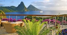 Jade Mountain Resort StLucia _____________________________________ Architect owner NickTroubetzkoy has expanded upon his philosophy of building in harmony with Caribbean nature in his creation of Jade Mountain St Lucia Resorts. St Lucia Resorts, Santa Lucia, All Inclusive Resorts, Hotels And Resorts, Luxury Hotels, Hilton Hotels, Florida Hotels, Luxury Travel, Vacation Destinations