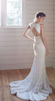 Wedding dress idea; Featured: Karen Willis Holmes