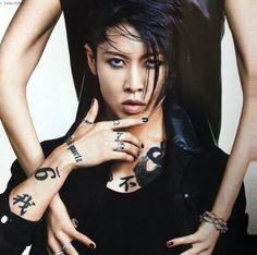 Miyavi's new Vogue photoshoot :O That look though... <3