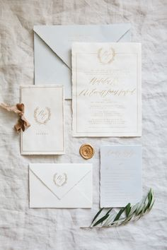 This was an incredibly amazing suite to design. We wanted to keep the entire suite incredibly textured and beautiful, with touches of neutral colors to pair it will. We chose to pair the invitation...