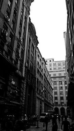 Rua Três de Dezembro.