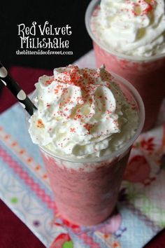 Red Velvet Milkshake - Red Velvet Milkshake The Bitter Side of Sweet nancypira ! The BEST of The Bitter Side of Sweet ! Red Velvet Milkshake has 3 simple ingredients and can be enjoyed all year round! Frozen Drinks, Frozen Desserts, Easy Desserts, Delicious Desserts, Yummy Food, Oreo Milkshake, Milkshake Recipes, Smoothie Recipes, Milkshakes