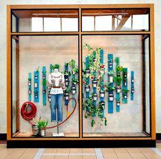 window display ideas   Anthropologie's Window Displays - Spring 2013 - Paperblog