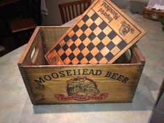 Vintage Moosehead Beer Wooden Crate with Checkerboard Lid and Dovetailed Corners | eBay