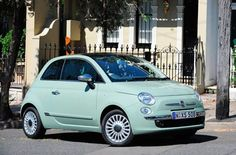 Fiat 500 JTD Lounge. This pretty color is only available overseas :-(