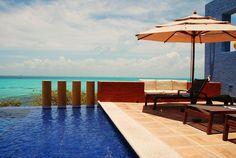 Infinity pool w/ ocean view