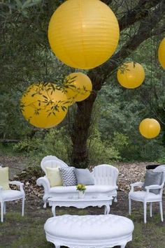 Wedding decorations hacks: Having the right wedding decor is really important. With the help of ours you will make the right choice. Check out our Free guide on wedding decor, it is going to help you make a choice fast and easy. Wedding Lounge, Wedding Reception, Dream Wedding, Perfect Wedding, Lounges, Chinese Paper Lanterns, Lantern Craft, Parol, Event Decor