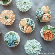 Buttercream Flower Cupcakes (The Sweet Spot)