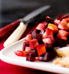 Paahdetun rosollin voi nauttia joko kylmänä tai lämpimänä. Joko, Fruit Salad, Salads, Dressings, Party, Fruit Salads, Parties, Salad, Chopped Salads