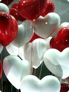 happy heart balloons for valentines day My Funny Valentine, Valentines Day Food, Valentines Day Hearts, Love Balloon, Red Balloon, Balloon Party, I Love Heart, Happy Heart, Wedding Balloons