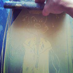 En train de préparer les tote bags &tshirts pour notre festival Bitter Sweet Paradise! Popeye à l'honneur! #baladessonores #chicamancha #serigraphies #silkscreen #print #popeye #encres #festival #paris
