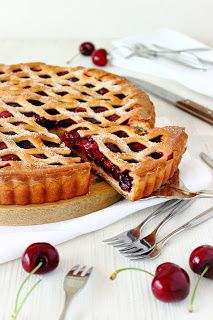 Kersenvlaai Dutch Recipes, Sweet Recipes, Baking Recipes, Cookie Desserts, Cookie Recipes, Pie Co, Homemade Pie, Sweet Cherries, Savory Snacks