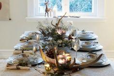 Scandinavian christmas table with antler decoration. Christmas Tea, Country Christmas, Simple Christmas, All Things Christmas, Beautiful Christmas, Christmas Holidays, Winter Holidays, White Christmas, Christmas Buffet