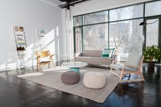 Rent meeting space at 372 Rue Ste-Catherine O., Floor, Suite 105 daily or hourly with Breather. Book office space in Downtown. Fine Art Photography, Floor Chair, Plank, Bean Bag Chair, Dining Table, Luxury, Building, Creative, Modern