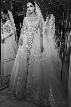 See the complete Zuhair Murad Bridal Fall 2017 collection.