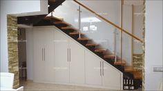 Risultati immagini per como aprovechar placard bajo escalera Kitchen Under Stairs, Closet Under Stairs, Under Stairs Cupboard, Stairway Storage, Basement Living Rooms, Staircase Design, Basement Remodeling, Home Decor Furniture, Interior Design Living Room