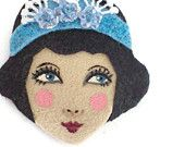 This handmade felt cute flapper girl face comes with a magnet which is strong and can hold few papers easily.  If you are interested in using this cute face as a patch, apllique or any other embelishment please leave a message after purchase.