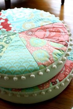 floor pillows with pom pom trim --i'm thinking 3 of them Sewing Pillows, Diy Pillows, Decorative Pillows, Patchwork Quilt, Quilts, Sewing Crafts, Sewing Projects, Amy Butler, How To Make Pillows