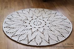 Used Carpet Runners For Sale Crochet World, Crochet Home, Crochet Rugs, Beige Carpet, Diy Carpet, Doily Patterns, Crochet Patterns, Painting Carpet, Crochet Carpet