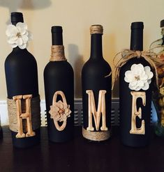 DIY Wine Bottle Crafts for Home Decor on a Budget Chalkboard wine bottles. Glass Bottle Crafts, Wine Bottle Art, Diy Bottle, Glass Bottles, Diy With Wine Bottles, Wine Bottles Decor, Diy Wine Bottles Crafts, Chalkboard Wine Bottles, Diy Chalkboard