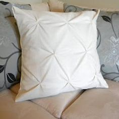Pinched Throw Pillow DIY {Pillows}