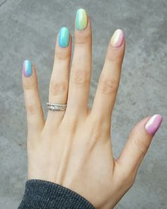 #nail #art #semilac #pink #glitter #delicate #yellow #green #blue #mint #purple #violet #mermaid #effect #rainbow