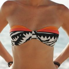 bathing suit top  would look great with a  Bumwrap!