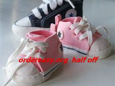 cheap converse all star shoes I want these and Tiffany blue Converse! - Click image to find more shoes posts Converse Cake, Blue Converse Shoes, Baby Converse, Converse All Star, Cheap Converse, Converse Sneakers, Extreme Cakes, Crea Fimo, Fondant Baby