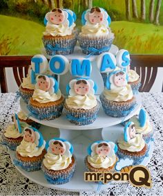 mr.ponQ cup-cakes de angelitos azules