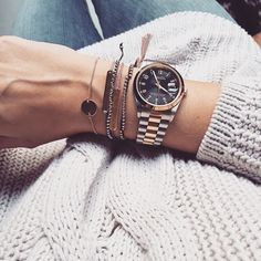 Watch/ cablesweater