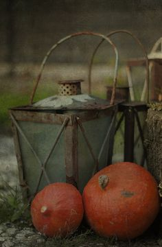Lets talk Halloween - yes. lets talk Halloween - Margreet Piek Rustic Halloween, Fall Images, Halloween Images, Lanterns Decor, Rustic Charm, Country Charm, Autumn Home, Autumn Fall, Best Seasons