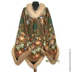 Купить Двустороннее пончо с меховой отделкой, арт. 1303 - зеленый, цветочный, Павлопосадский платок