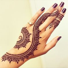 Gorgeous #HennaArt Photo Re-post by: @vegas_nay I need to look into henna tools and learn how to do this!
