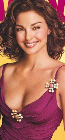 Glamour Magazine Hollywood Actor, Hollywood Celebrities, Hollywood Actresses, Ashley Judd, Hair Magazine, Glamour Magazine, Facial Pictures, Minka Kelly, Woman Smile