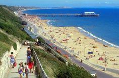 Bournemouth es un centro turístico costero, al sur de Inglaterra, que ofrece a los estudiantes el ambiente ideal para la práctica de actividades al aire libre. Éstos podrán disfrutar de clases de surf y equitación, Bowling, Paintball, golf y mucho más.