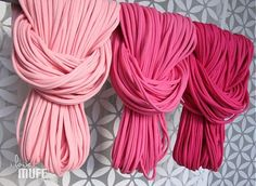 spaghetti scarf shades of pink