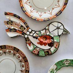Mosaic Birds, Mosaic Wall Art, Mosaic Glass, Mosaic Art Projects, Mosaic Crafts, Mosaic Ideas, Vintage Crockery, Vintage Ceramic, Ceramic Angels