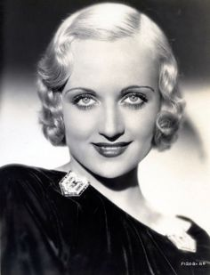 """All women should have something worthwhile to do and cultivate efficiency at it, whether it's housekeeping or raising chickens."" ~~ Carole Lombard ♥Happy Birthday 10/6/11♥"
