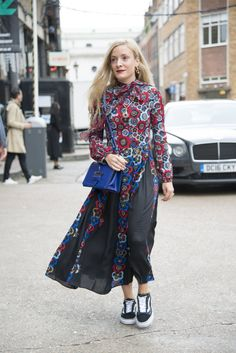 This Is Exactly How Street Style Stars Pull Off the Dress-and-Sneakers Look