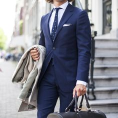 On the move. #SUITSUPPLY #TheTravellerSuit