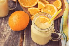This Orange Creamsicle smoothie features creamy Vanilla Shakeology and orange juice in a healthier version of a cool classic. Shakeology Flavors, Vanilla Shakeology, Chocolate Shakeology, Peach Smoothie Recipes, Yogurt Smoothies, Orange Creamsicle, Winter Smoothies, Turmeric Smoothie, Creme