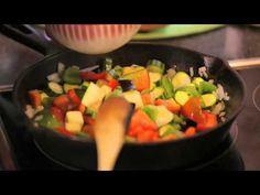 Dagbreek: Kos is op die tafel - Tannie Poppie, Ratatouille-vierkante Ratatouille, Fruit Salad, Kos, Poppies, Fruit Salads, Poppy Flowers