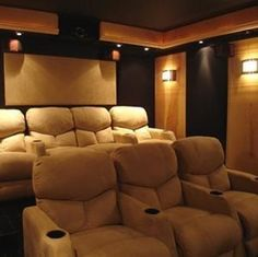 50 Basement Home Theater Design Ideas to enjoy your movie time with family and friends – GODIYGO.COM Basement home theater design ideas to enjoy your movie time with family and friends 24 Movie Theater Rooms, Home Cinema Room, Home Theater Seating, Home Theater Design, Theater Seats, Theatre Rooms, Movie Rooms, Home Theater Speakers, Home Movies