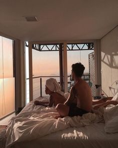 new ideas for travel couple photography future boyfriend Couple Relationship, Cute Relationship Goals, Cute Relationships, Couple Goals Tumblr, Fitz Huxley, Couple Goals Cuddling, Couple Kiss In Bed, The Love Club, Photography