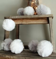 #niezchinzpasji Tulle Pompoms, Entryway Tables, Garland, Diy, Furniture, Vintage, Home Decor, Decoration Home, Bricolage
