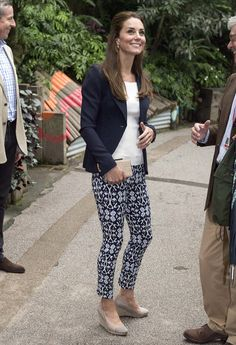 Kate teamed her outfit with the same nude wedges from Monsoon and box clutch she…
